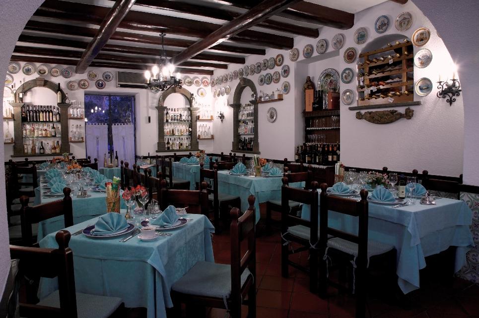 Mangiare dormire lipari me filippino ristorante for Ristorante in baita vicino a me